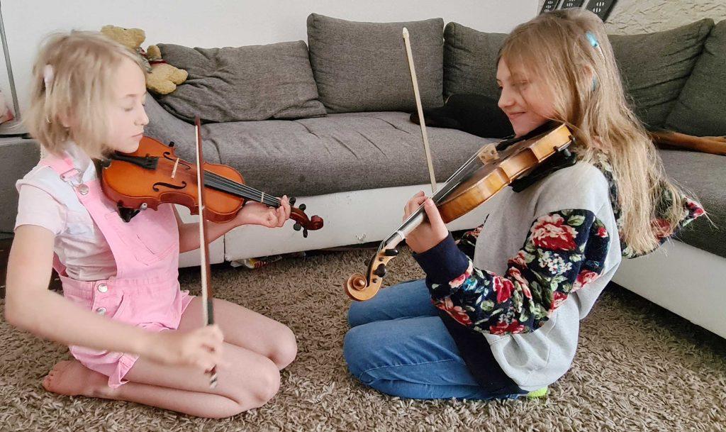 Aktion Kindertraum Blog Familie Heins2 1024x609 1 - Maskenpflicht schwierig für Hörgeschädigte