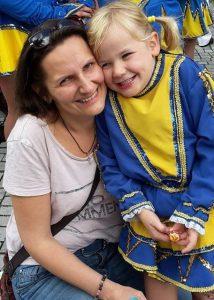 aktion kindertraum karinaweiss blog 7 214x300 - Karina weiß, wie es sich am Rande anfühlt