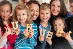bySIMOarts.com Ueber Uns 1 klein 300x200 - Das Start up Juhubelbox startet eine einmalige Spendenaktion für Aktion Kindertraum