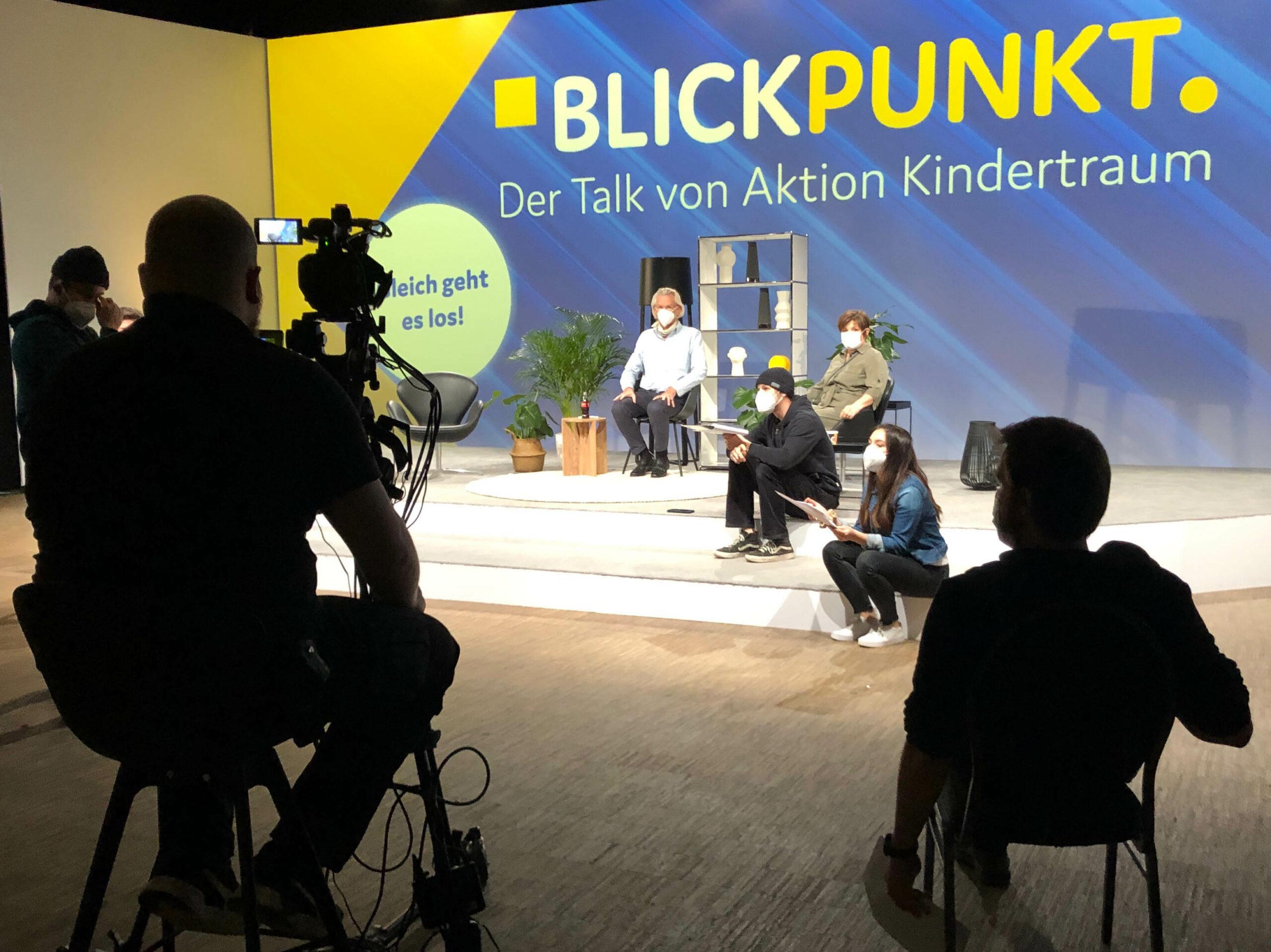 """Aktion Kindertraum Blog Aufnahme Blickpunkt scaled - Unsere 2. Talkshow: Transparenz im """"Blickpunkt"""""""