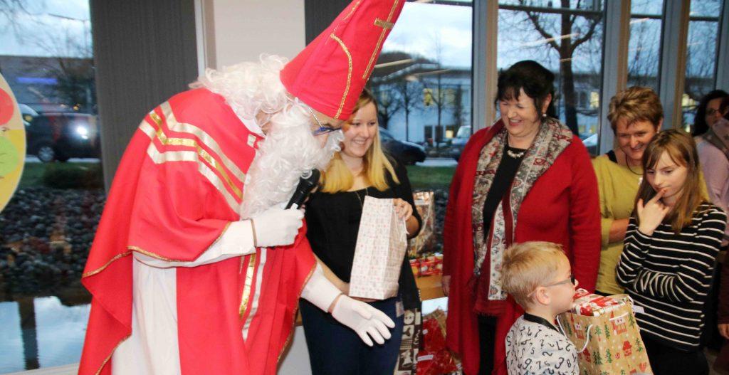 Aktion Kindertraum Blogt Hospize Weihnachtsfeiern2 1024x527 1 - Heute ist Welthospiztag ...